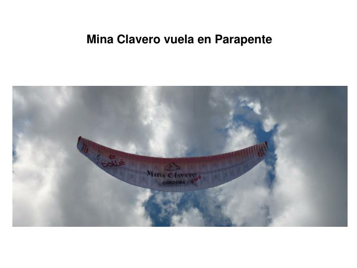 Mina Clavero vuela en Parapente