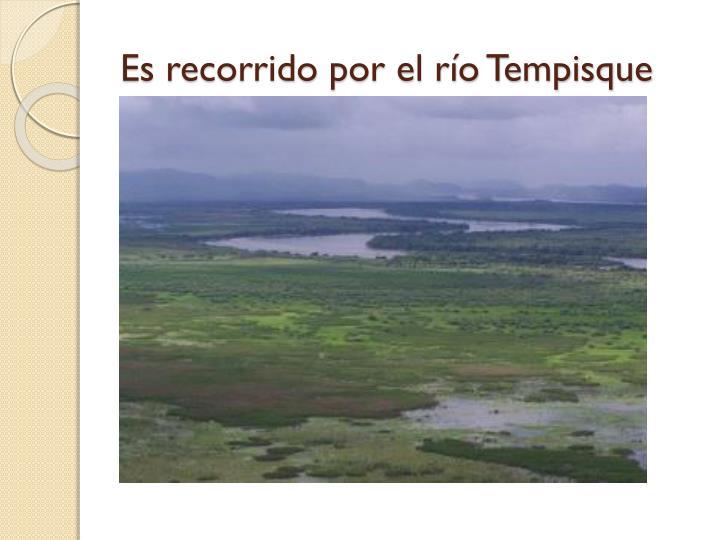 Es recorrido por el río Tempisque