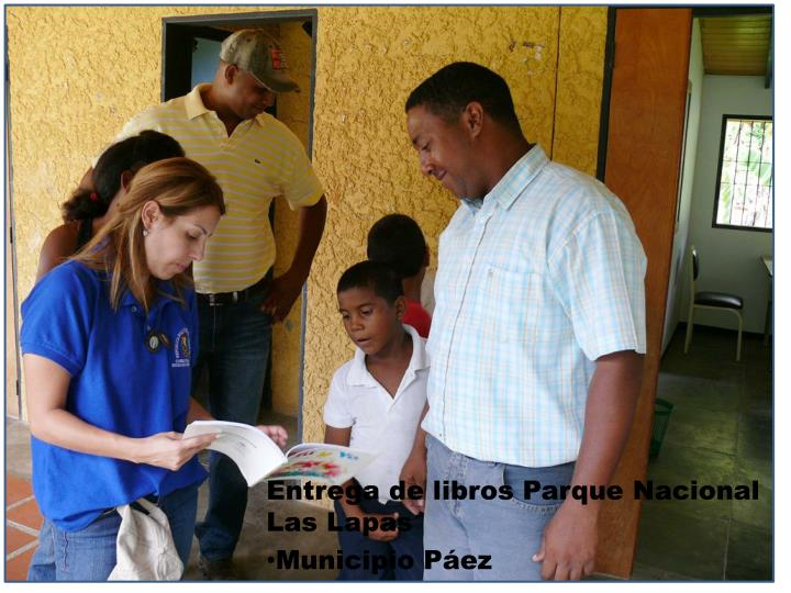 Entrega de libros Parque Nacional Las Lapas