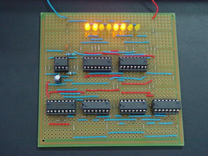 彩灯控制器电路实物图
