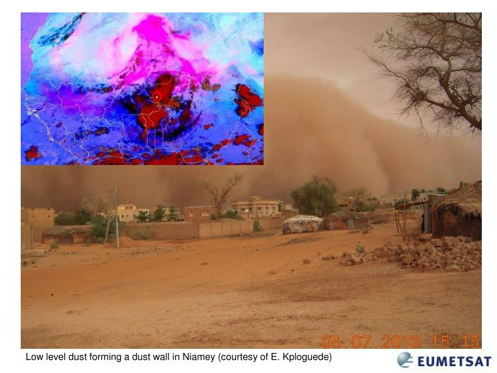 Low level dust forming a dust wall in Niamey (courtesy of E. Kploguede)