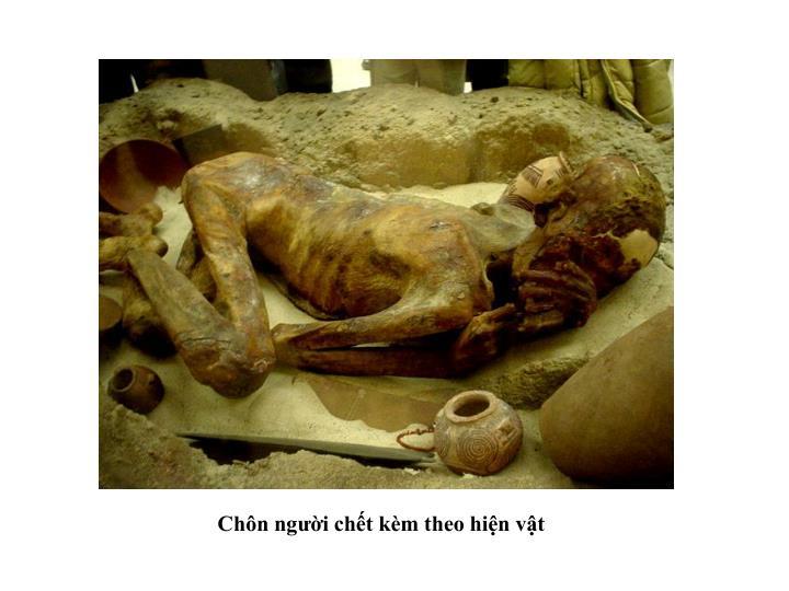 Chôn người chết kèm theo hiện vật