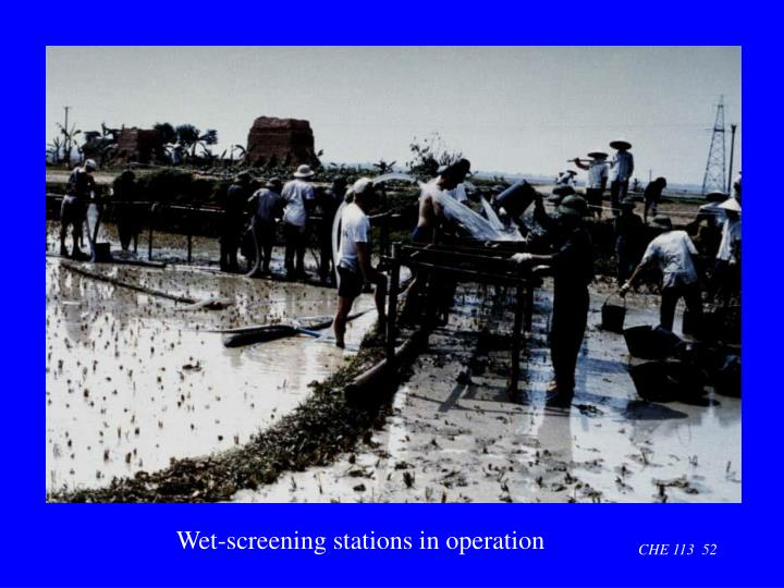 Wet-screening stations in operation