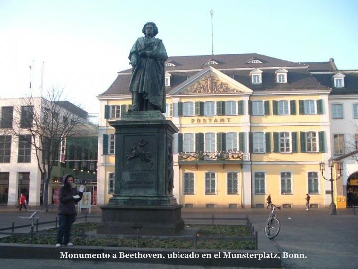 Monumento a Beethoven, ubicado en el Munsterplatz, Bonn.