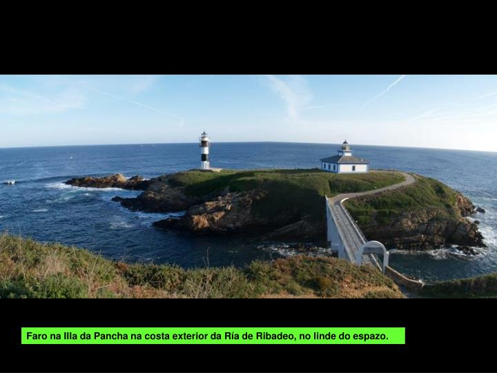 Faro na Illa da Pancha na costa exterior da Ría de Ribadeo, no linde do espazo.