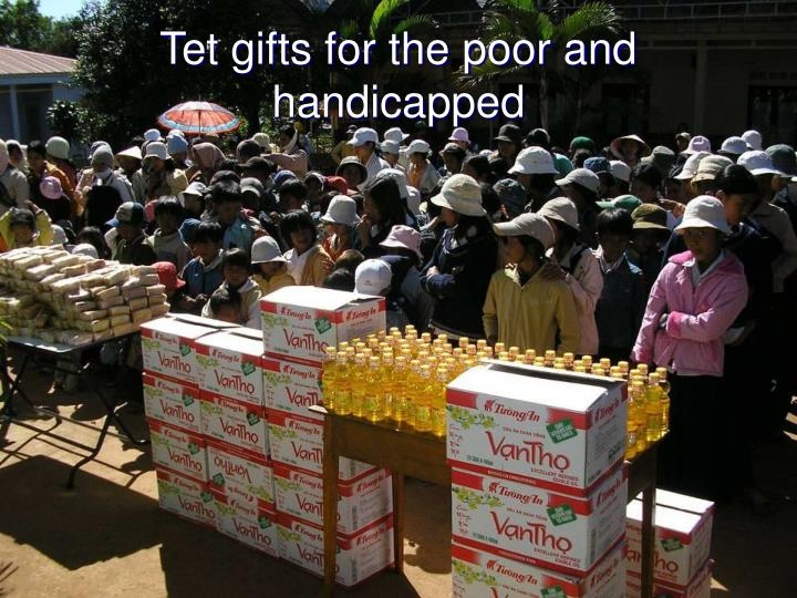 Tet gifts for the poor and handicapped