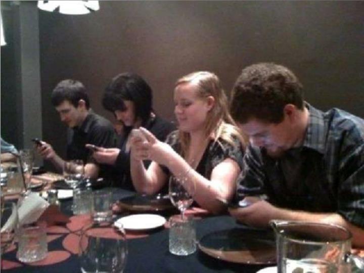 Prendre un dîner avec des amis.