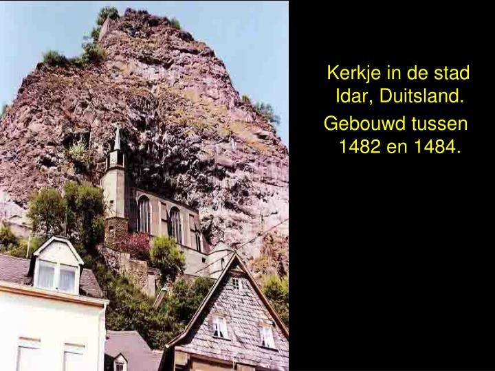 Kerkje in de stad           Idar, Duitsland.