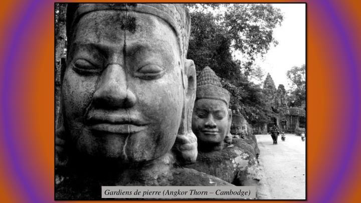 Gardiens de pierre (Angkor Thorn – Cambodge)