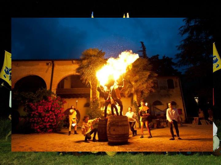 Dal 1999 ogni anno, il primo week end di giugno, al Castello dei Da Peraga si ripete una magia, correndo a ritroso nel tempo, alla riscoperta del medioevo e delle sue tradizioni. Un viaggio nel passato, a partire dall'incendio del