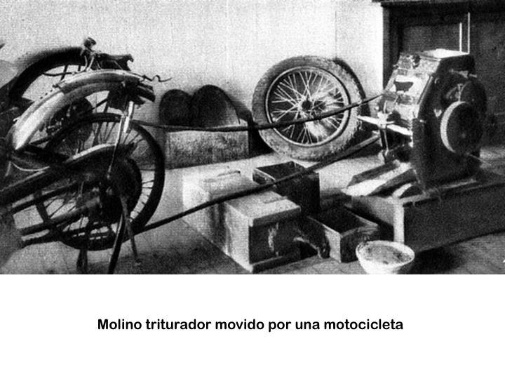 Molino triturador movido por una motocicleta