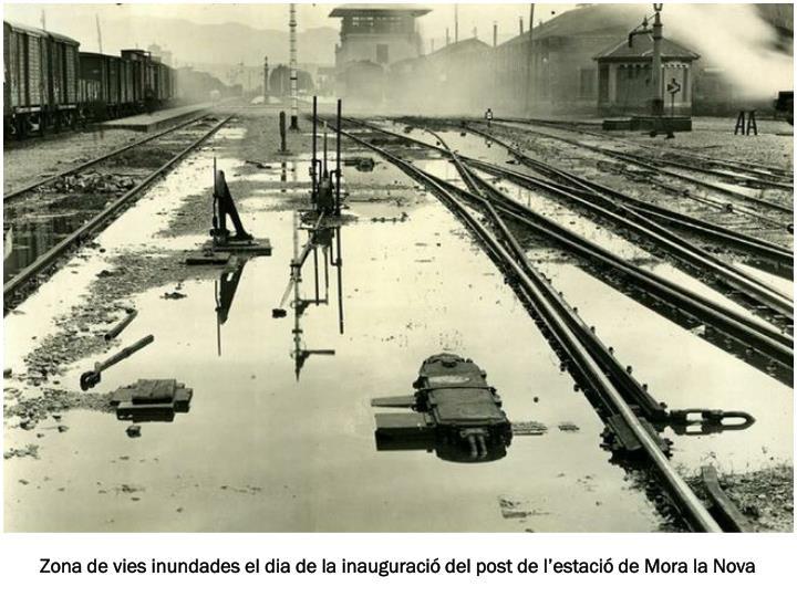 Zona de vies inundades el dia de la inauguració del post de l'estació de Mora la Nova
