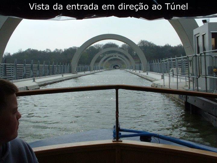 Vista da entrada em direção ao Túnel