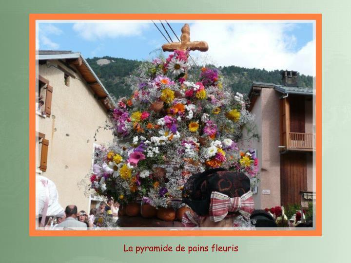 La pyramide de pains fleuris