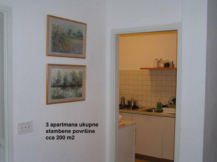3 apartmana ukupne