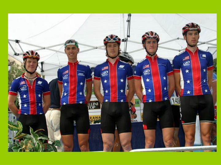 Pourquoi les cuissards des cyclistes professionnels sont ils toujours noirs