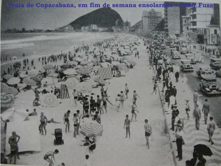 Praia de Copacabana, em fim de semana ensolarado - Peter Fuss