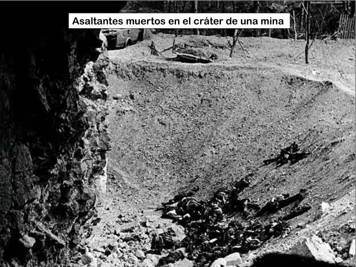 Asaltantes muertos en el cráter de una mina