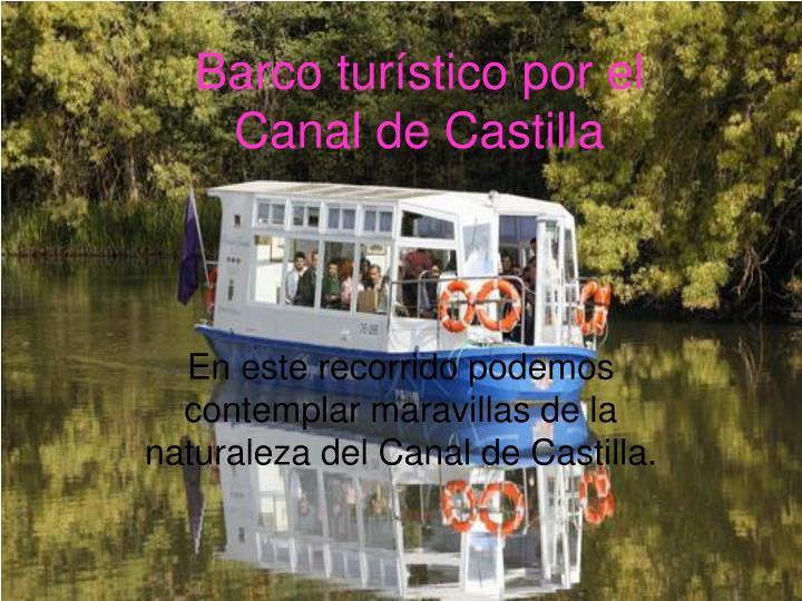 Barco turístico por el